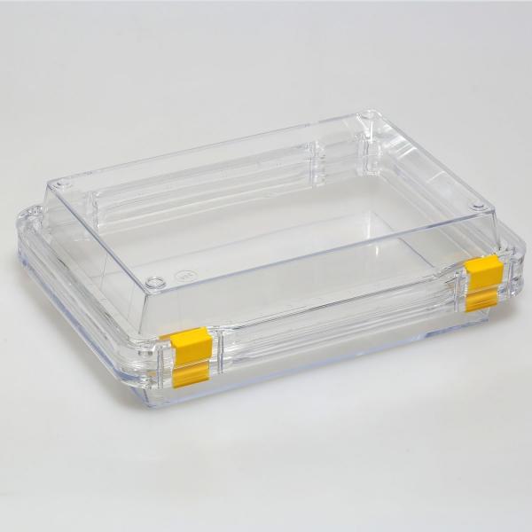 Aufbewahrungsschachtel mit Membran und Klippverschluss, aufklappbar